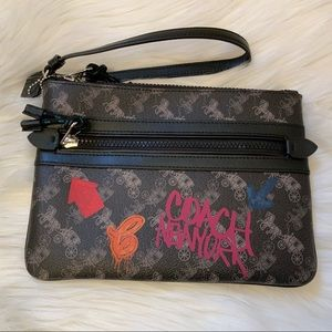 Coach Horse & Carriage Gallery Pouch - NWT